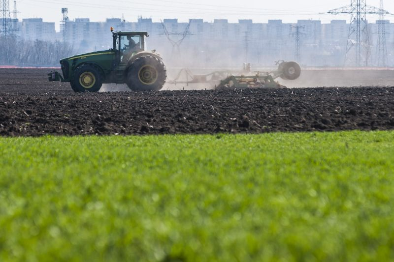 traktor agr mezog