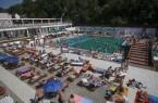 Megnyílt az újjáépített parajdi sósvízû strand Erdélyb