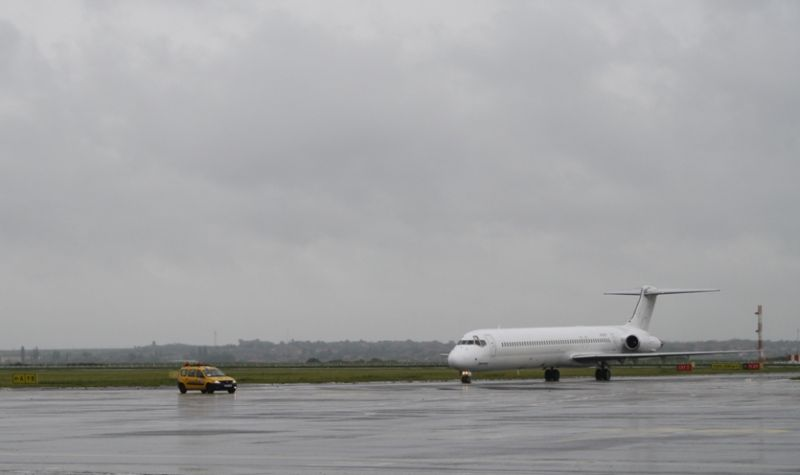 Fly romania avion aeroport repulogep airways