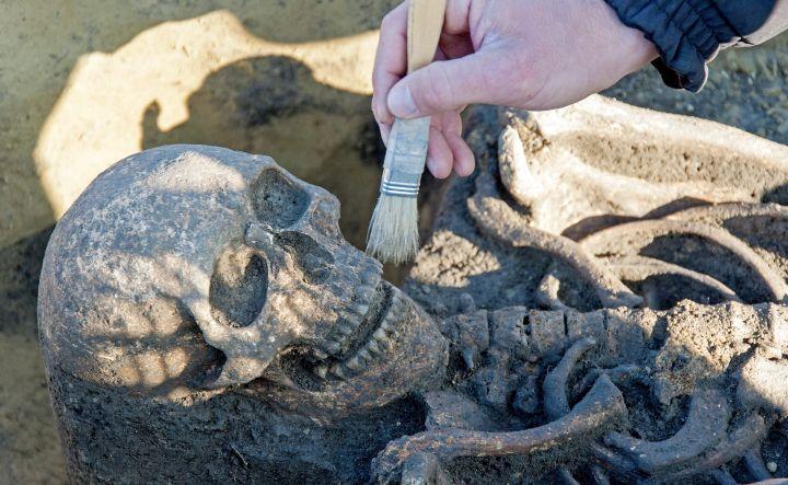 Avar kori temetõt tárnak fel Ikrénynél