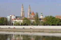 Felújították a partfalat Szeged belvárosában