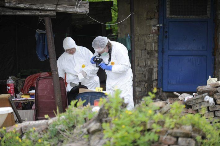 Szemeteskukába rejtett holttest találtak egy budapesti ház ud
