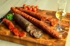 kolbasz-salami-palinka