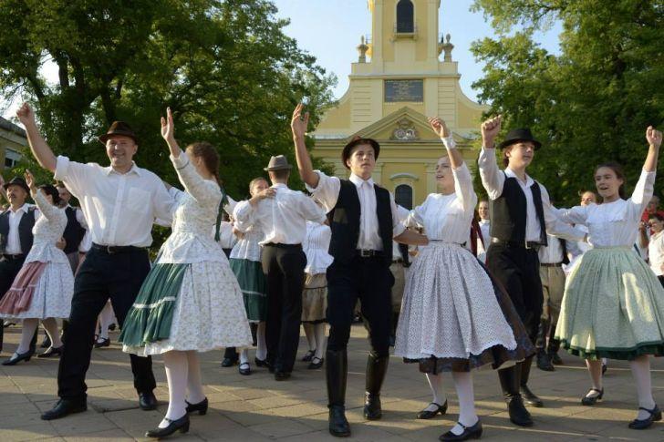 neptancosok - minden magyarok